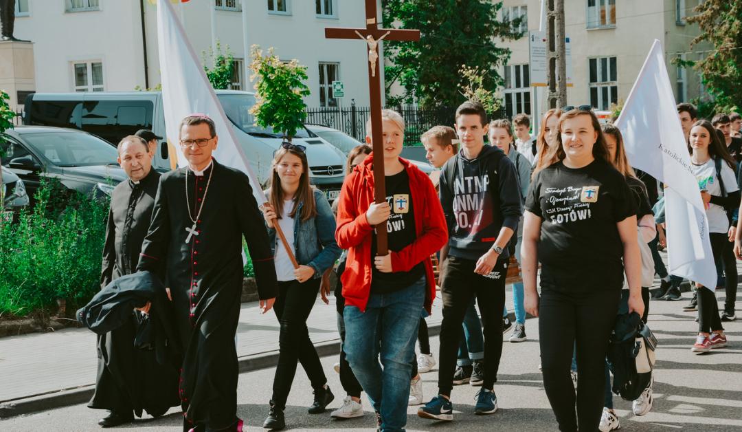 Kolejna pielgrzymka młodzieży do Rostkowa za nami!