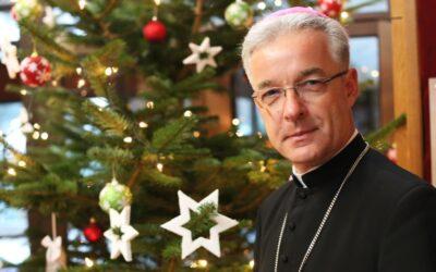 Bp Lechowicz: Przyjmijcie Dziecię Jezus z otwartymi rękami